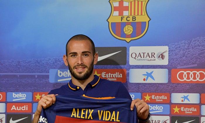 timeless design fc6dd e939f Barcelona sign Aleix Vidal from Sevilla until 2020 despite ...
