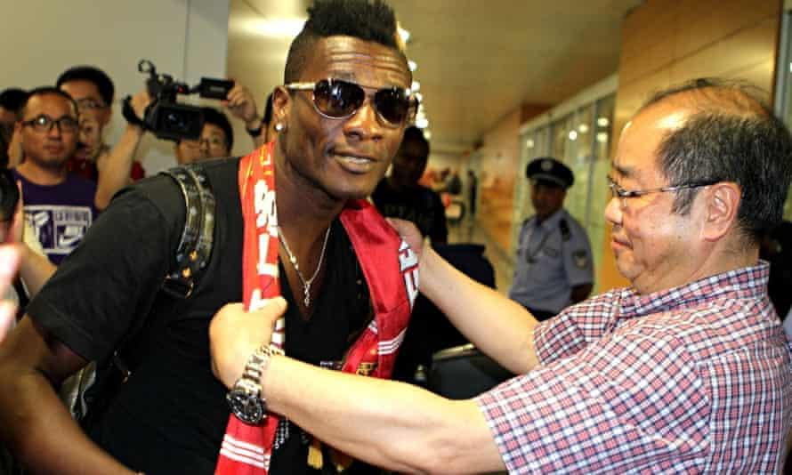 Asamoah Gyan arrives In Shanghai