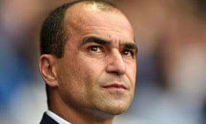 Everton's manager Roberto Martínez has been using drones to film training at the Finch Farm academy.