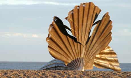 maggi hambling scallop britten tribute