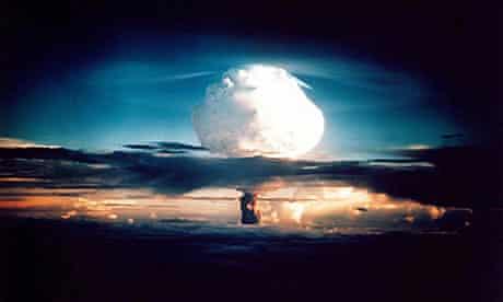 h bomb mushrrom cloud