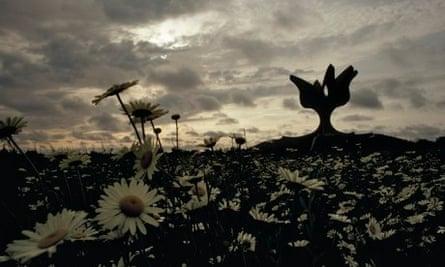 flower sculpture memorial