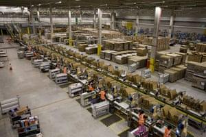 Gallery Amazon.co.uk: Amazon distribution warehouse Swansea