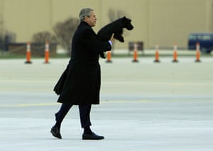 Gallery Great Scots: President Bush carries his dog Barney