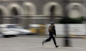 Gallery mumbai update: Indian commando shields himself