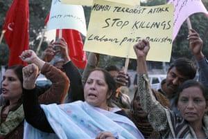 Gallery mumbai update: Pakistani protesters