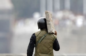 Gallery mumbai update: Indian commando shields himself with a stone slab