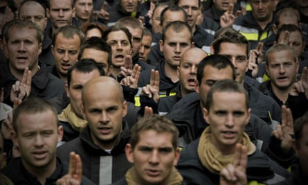 Firefighters demonstrate in Budapest for better pay