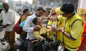 polio immunisation on the streets of Lucknow