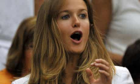 Kim Sears, the girlfriend of Andy Murray, cheers during play against Stanislas Wawrinka