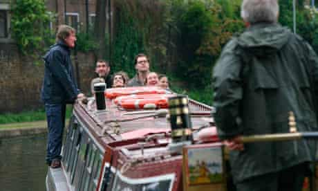 A local ecology lesson for GNM staff aboard a barge on Regents canal