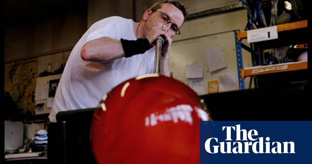 How to blow glass | Work & careers | The Guardian