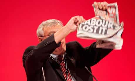 Tony Woodley tears up a copy of The Sun newspaper at the Labour Party Conference in Brighton
