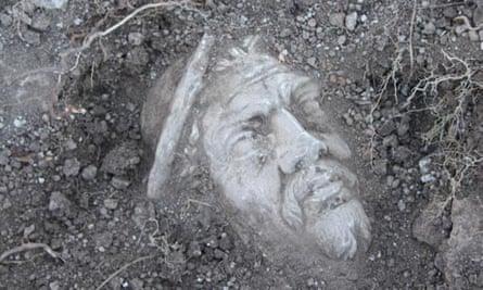 British archaeologists unearth Roman amphitheatre