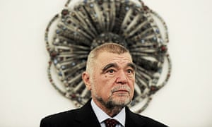 Croatian president Stipe Mesic is to stand down after a decade in power.