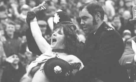 Erica Roe, 1982