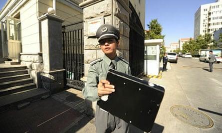 Liu Xiaobo's house guarded China