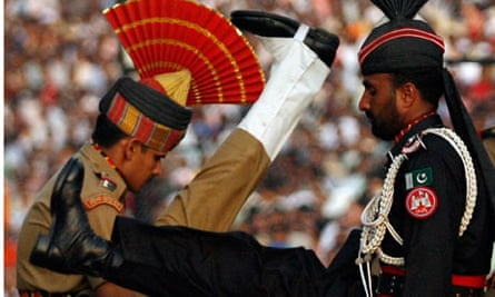 Pakistani Ranger and Indian BSF officer at Wagah border checkout