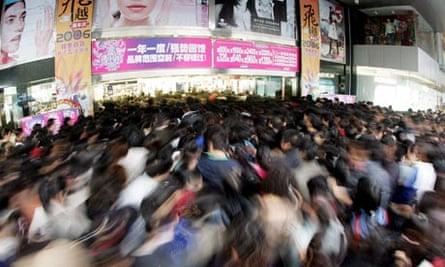 Shopping Crowd in Hangzhou