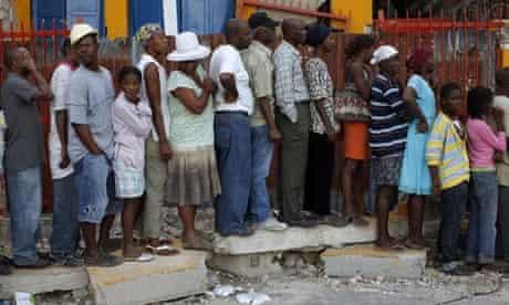 Haiti queue for tents