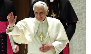 Pope Benedict XVI Holds Weekly Audience - December 23, 2009