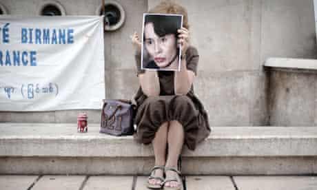 TOPSHOTS-FRANCE-MYANMAR-PROTEST