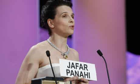 Juliette Binoche protests at jailing of film director Jafar Panahi at Cannes