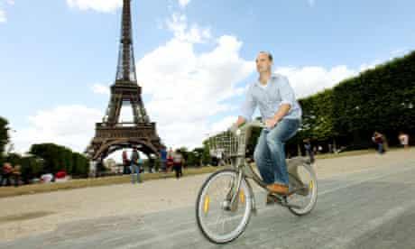 Leo Hickman enjoys the Vélib' hire bike in Paris