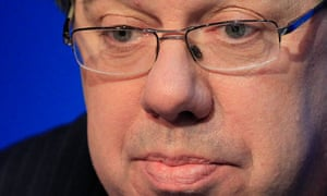 Irish Prime Minister Brian Cowen could face a no-confidence vote at a Fianna Fáil meeting today.