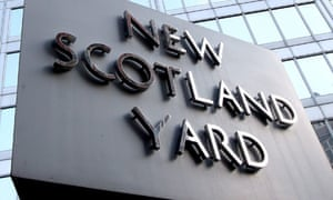 Metropolitan Poloce Commissioner Ian Blair resigns