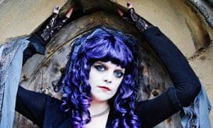 A goth girl