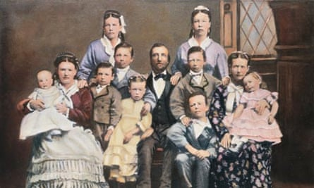 Mormon family with two wives and nine children