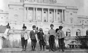 Newsboys in Washington, selling newspapers