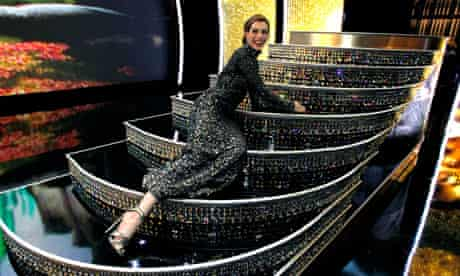 Anne Hathaway presenter of the 83rd Oscars