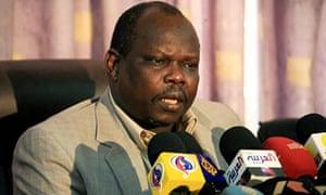 South Sudan negotiator Pagan Amum announces the suspension of talks with the north, in Khartoum.