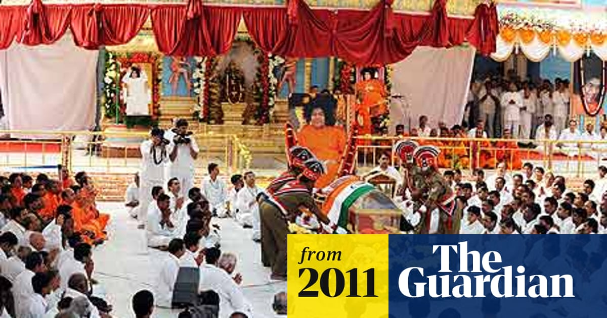 Sai Baba funeral sees India's luminaries mourn with