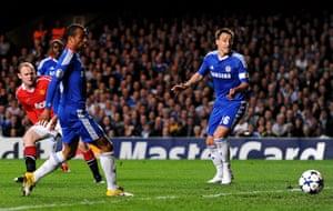 Chelsea v Man Utd: Wayne Rooney of Manchester United scores the opening goal