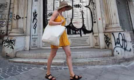 Shops closures due to the economic crisis