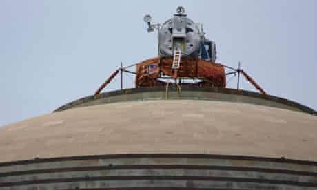 A replica Apollo lunar module on top of the MIT dome