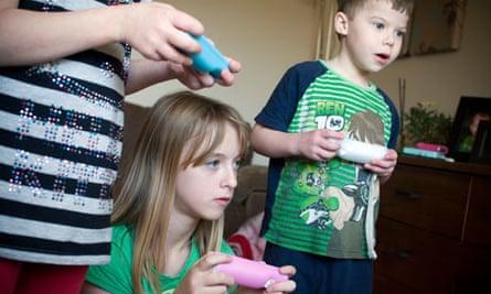 Children playing on Nintendo wii