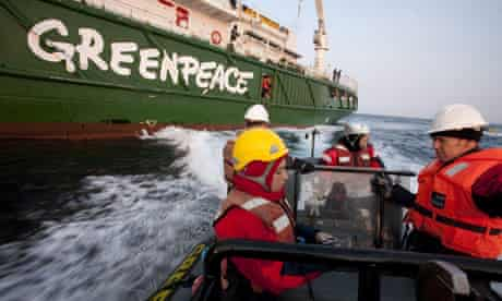 Greenpeace activists at the 53,000 tonne Leiv Eiriksson oil rig