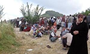 syrian-refugees-turkish-border