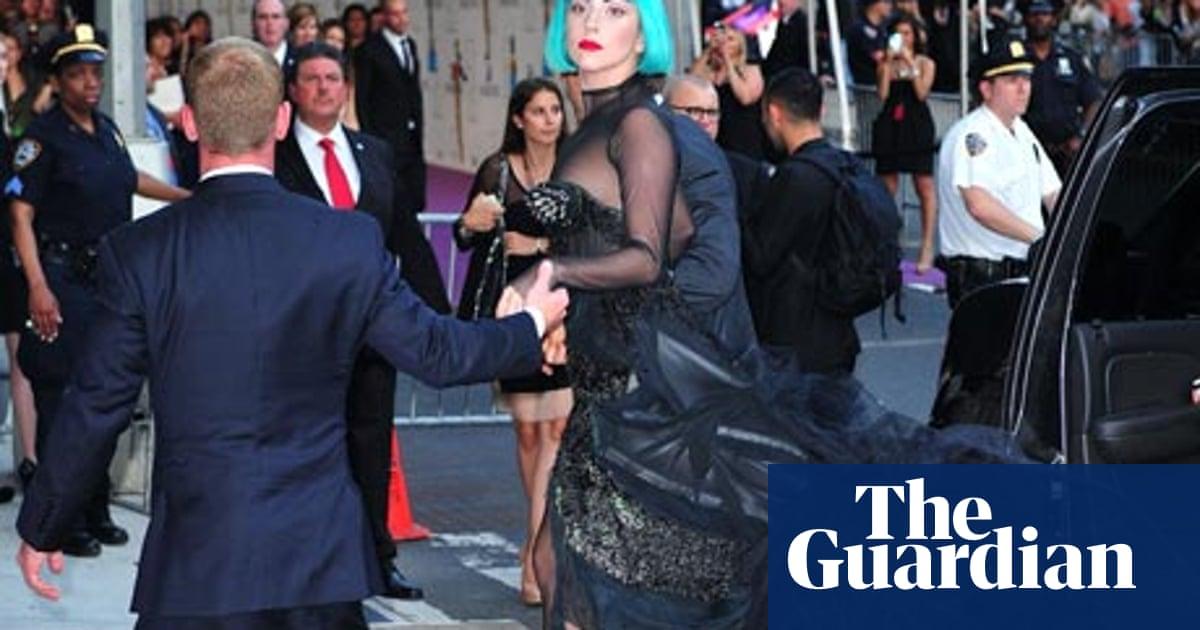 Lady Gaga Scoops Fashion Icon Prize As Cfda Awards Honour Phoebe Philo Lady Gaga The Guardian