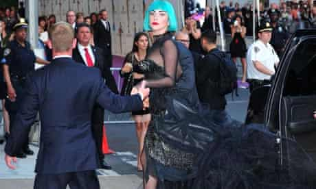 Lady Gaga arrives the 2011 CFDA Fashion Awards