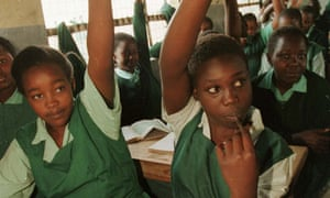MDG : Kenya/schoolgirls