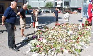 Ulf Berg reads some of the tributes left to the young victims of Utøya island.