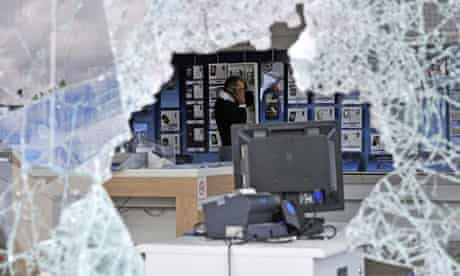 AA looted O2 mobile phone store in Tottenham Hale. MI5 has joined the hunt for riot organisers