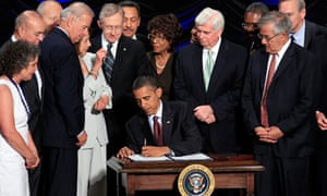 MDG : Barack Obama signs the Dodd-Frank Wall Street Reform and Consumer Protection Act in Washington
