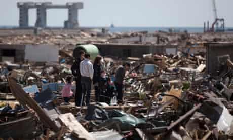 Japan tsunami victims pray for lost relatives