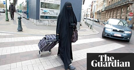 Italy approves draft law to ban burqa world news the for Fashion for home uk